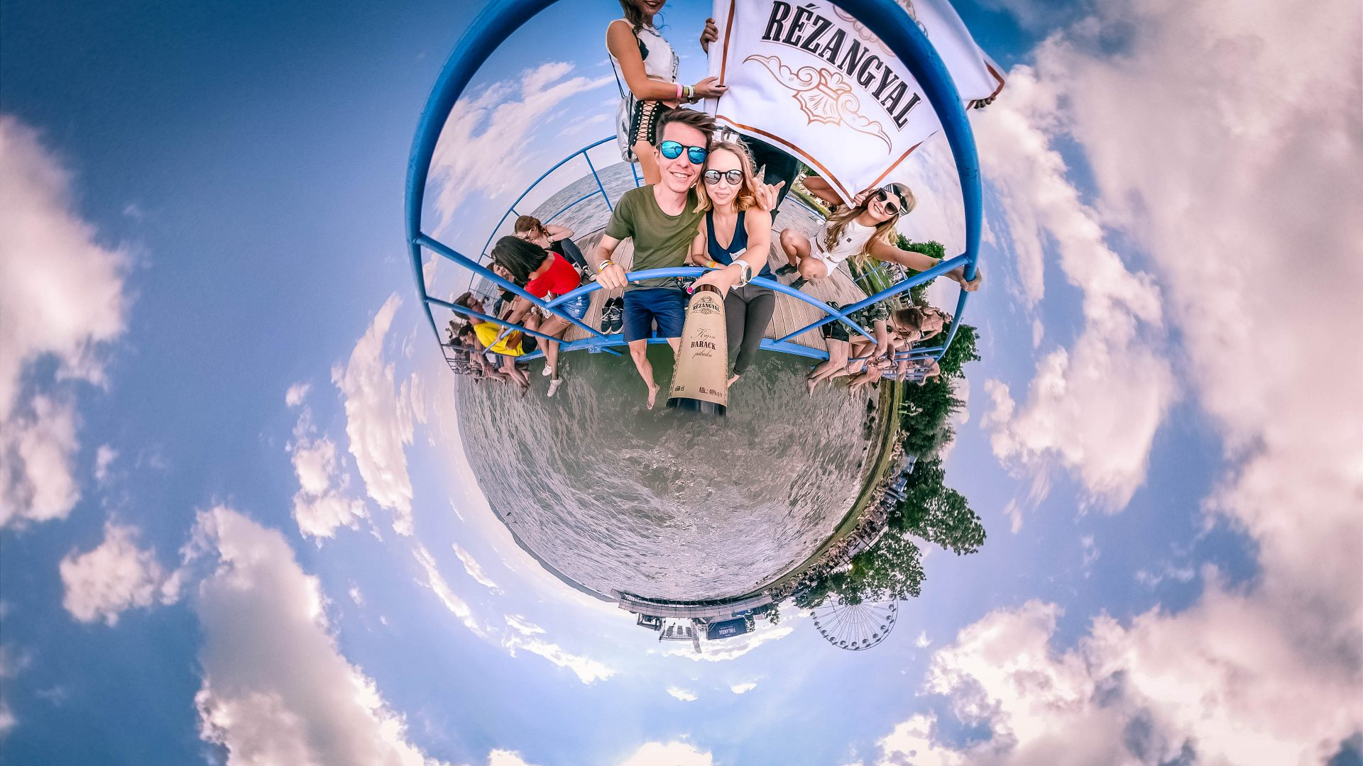 Rézangyal – Tiny World – The best festival campaign by HEYTHERE agency