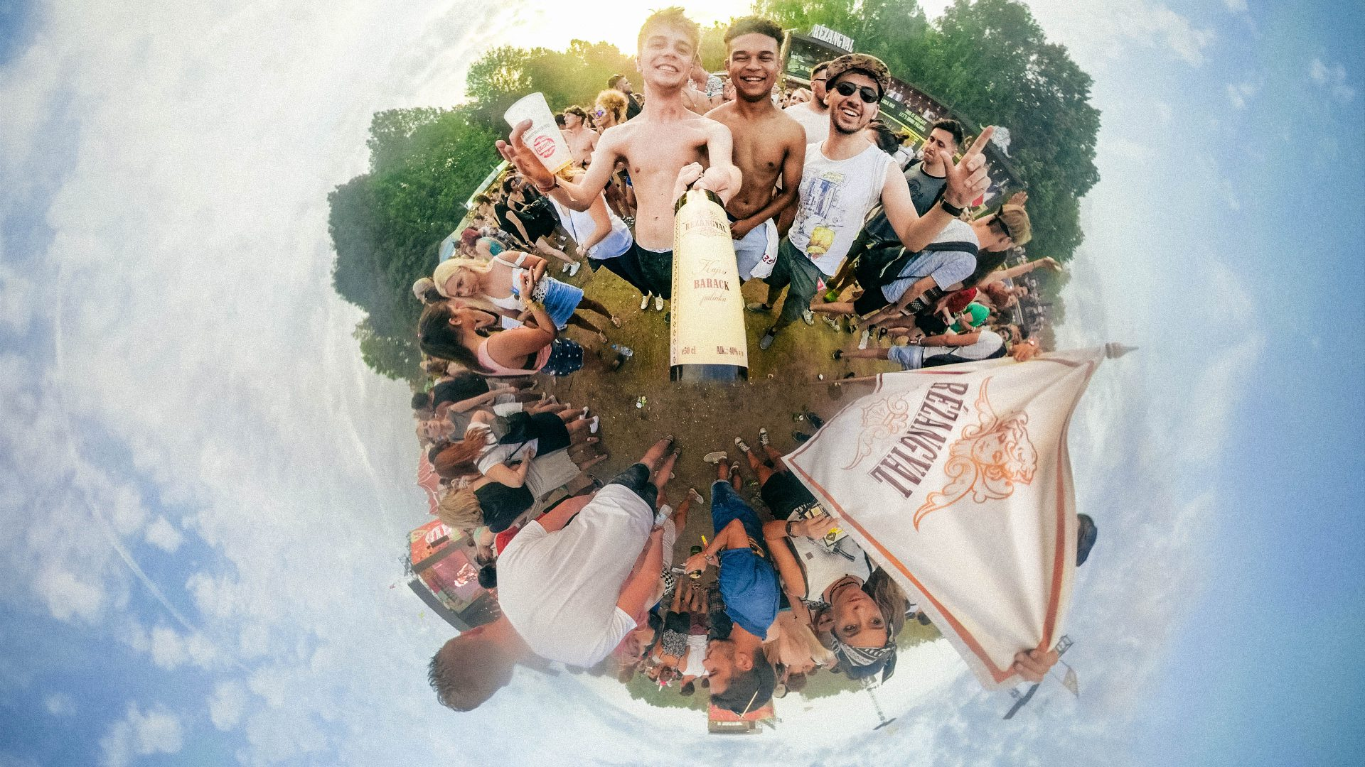 Tiny World of Rézangyal – The best festival campaign by HEYTHERE agency